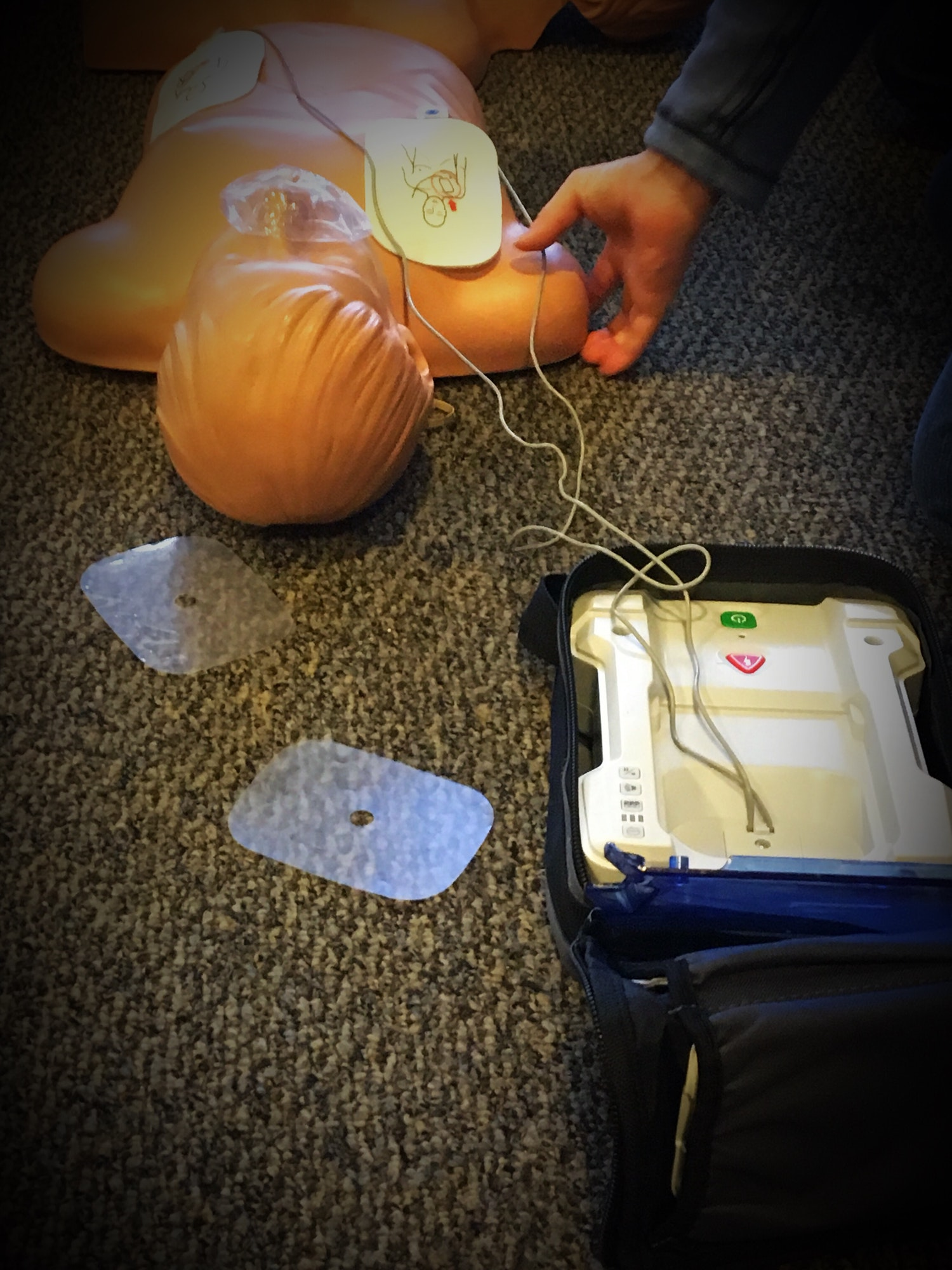 Learning in a Manikin AED